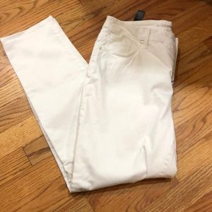 Chico's white so slimming girlfriend ankle pants
